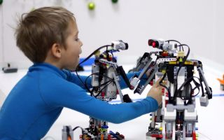В школах России начнут преподавать робототехнику